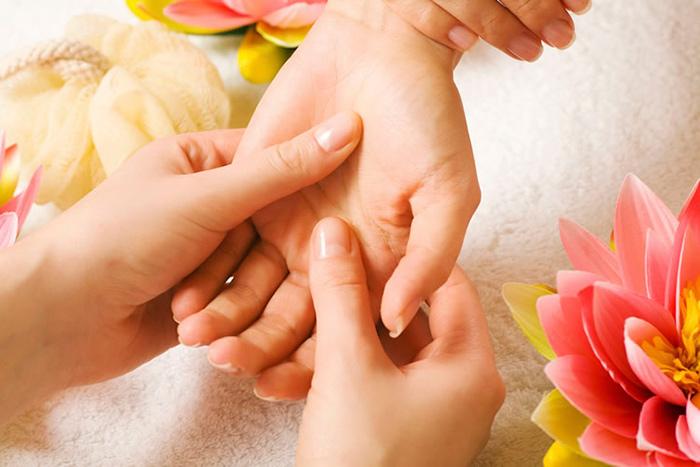 Лечебный массаж при тендините запястья