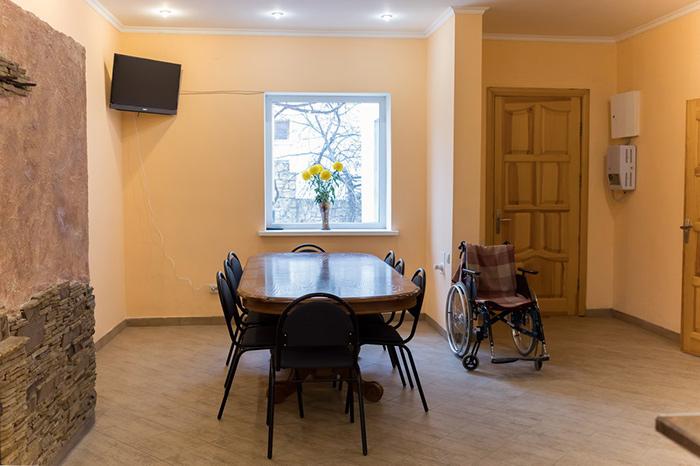 Зал в доме престарелых «Забота» (Севастополь)