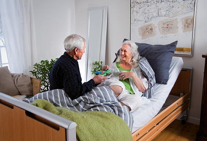 Уровень ухода за пожилыми людьми - на прямую сказывается на быстроту выздоровления