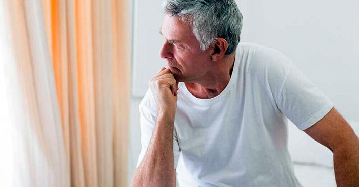 Возраст и ослабление мышц тазового дна - одна из причин недержания мочи