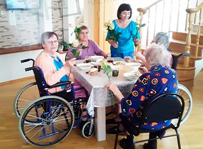 Жильцы пансионата для пожилых людей «Родительский Дом» (Брянск)