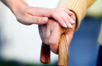 Адресная помощь пенсионерам в 2019 году: кому положена и документы для оформления